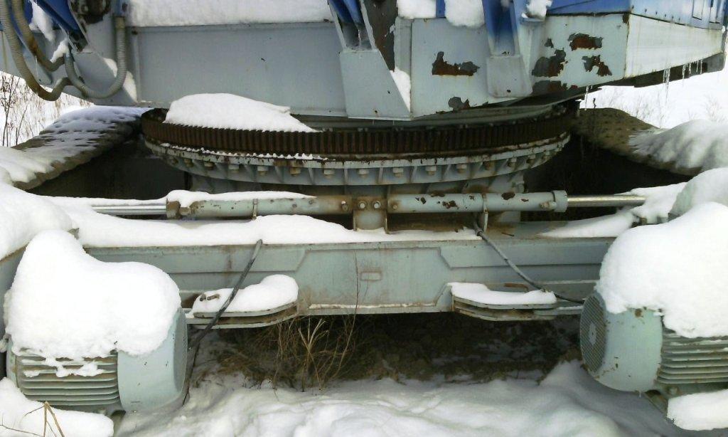 Кран гусеничный ДЭК-321 Челябинец 2007 г/в, с прямой стрелой 24 м и жестким гуськом 5м